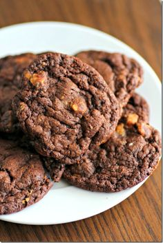 Chris Krinkle Cookies Recipe ~ They're crinkly, soft and very tender... They're double chocolate chip cookies with peanut butter chips