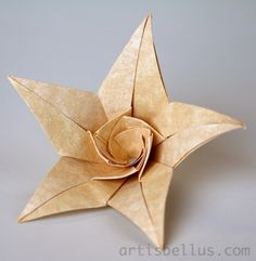 Lilia flower by Ekaterina Lukasheva, folded by Marcela Brina.