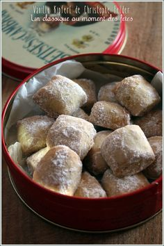 """""""Vanilla kipferl"""" by Christophe Felder, to taste while thinking of his list for … - DIY Christmas Cookies Chefs, Desserts With Biscuits, Christmas Biscuits, Christmas Cookies, Sweet Cooking, Xmas Food, Biscuit Cookies, Love Food, Sweet Recipes"""