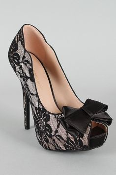 women fashion shoes, boots, retro indie clothing & vintage clothes on Wanelo