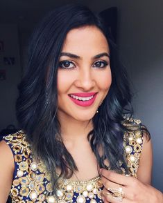 New video comin' sooooon 😘 Come sing with me this Sunday Beautiful Girl Indian, Most Beautiful Women, Vidya Vox, U Tube, Kamiz, Royal Clothing, Mp3 Song Download, Youtube Stars, Indian Celebrities