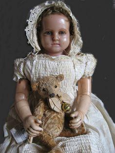 antique wax doll , Portrait with bear. Antike Portrait-Wachspuppe, ca groß. Sammlung/collection: M. Antique Wax, Antique Toys, Rare Antique, Doll Toys, Baby Dolls, Vintage Teddy Bears, Old Dolls, Bear Doll, Creepy Dolls