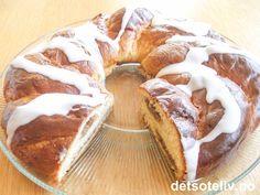 Hvetekrans med makronfyll Camembert Cheese, Pie, Sweets, Baking, Snacks, Desserts, Recipes, Drink, Torte