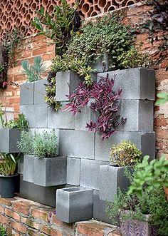 Decoração em blocos  Olha amor, se, quando construirmos nossa casa, sobrar alguns blocos podemos usar eles! :D
