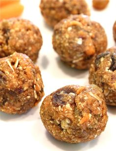No-Bake Oatmeal Raisin Carrot Cake Bites    1/ 2 c dry old-fashioned oats + 2 tbsp reserved    1/4 c carrots    1/4 c pitted medjool dates (I used 4 large, moist dates)    1/4 c raisins (I used a raisin medley blend) + 1/4 c reserved    3 tbsp brown sugar    1 tsp cinnamon    1 tsp vanilla extract    Directions:    Blend the oats and carrots in a Vita or food processor for about 10 seconds.  Then add everything else (except the reserved ingredients) and blend for another 20 seconds or until…