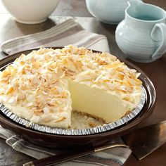 No-Cook Coconut Pie Recipe from Taste of Home -- shared by Jeanette Fuehring of Concordia, Missouri This creamy No-Cook Coconut Pie proves that a quick meal doesn't have to go without dessert. Easy Desserts, Delicious Desserts, Yummy Food, Italian Desserts, Healthy Desserts, Pie Dessert, Dessert Recipes, Breakfast Recipes, Desserts Printemps