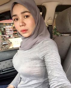 Image Ngewe dikebun tetangga contain: 1 person Beautiful Hijab Girl, Beautiful Muslim Women, Beautiful Girl Image, Beautiful Asian Girls, Casual Hijab Outfit, Hijab Chic, Hijabi Girl, Girl Hijab, Muslim Beauty