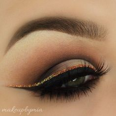 Classic smokey eye with copper glitter winged liner #eyes #eye #makeup #smokey #dark #glitter