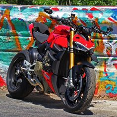 Ducati Motorcycles, Cars And Motorcycles, Sport Bikes, Custom Bikes, Racing, Street, Vehicles, Frases, Poisons