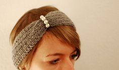 Graues Stirnband mit Perlen