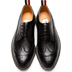Thom Browne for Men Collection Fashion Moda, Fashion Shoes, Mens Fashion, Formal Shoes, Casual Shoes, Thom Browne Shoes, Sock Shoes, Shoe Boots, Gentleman Shoes