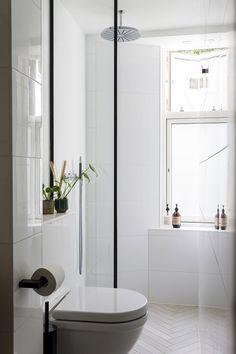 5 gode råd til deg som skal pusse opp et lite bad Diy Bathroom, Bathroom Plants, Bathroom Trends, Bathroom Styling, White Bathroom, Bathroom Faucets, Bathroom Interior, Modern Bathroom, Remodel Bathroom