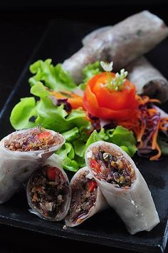 Some #healthy Thai inspired spring rolls for you: sautéed mushrooms, tofu, purple & white cabbage, glass noodles & celery in a steamed spring roll sheet - heavenly!