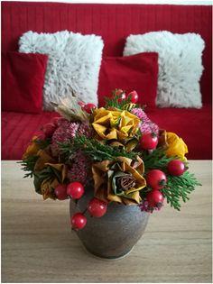 Podzim jako malovaný | Rodina21 #autumn #autumnleaves #podzim Table Decorations, Furniture, Home Decor, Decoration Home, Room Decor, Home Furnishings, Arredamento, Dinner Table Decorations, Interior Decorating