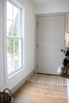 Interior Door Colors, Painted Interior Doors, Interior Trim, Interior Paint, Trim Paint Color, Best Paint Colors, Wall Paint Inspiration, Color Inspiration, Painted Closet