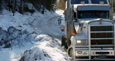 """Lisa Kelly gets stuck on Sunday night's """"Ice Road Truckers"""" episode."""