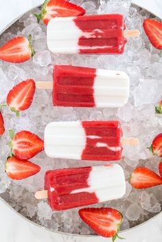These Strawberry & Coconut Popsicles are everyone's favorite this summer. They are refreshing delicious and healthy. Frozen Strawberry Recipes, Frozen Strawberries, Frozen Desserts, Frozen Treats, Healthy Treats, Healthy Desserts, Healthy Food, Coconut Popsicles, Fruit Popsicles
