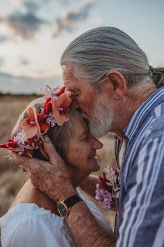 You're never too old for a couples shoot. These grandparents made the most romantic captures. Romantic Couples, Most Romantic, Foto E Video, Photo And Video, Elderly Couples, Types Of Relationships, Relationship Goals, Finding Your Soulmate, Wedding Photo Inspiration
