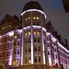 """See 195 photos and 56 tips from 2904 visitors to Radisson Blu Edwardian Bloomsbury Street Hotel. """"Posh hotel located in the heart of Bloomsbury. Edwardian Hotel, Bloomsbury, Multi Story Building, Hotels, London, Architecture, Street, Travel, Arquitetura"""