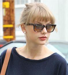 Taylor Swift #RayBan Original Wayfarer. I just love Taylor. Great music.