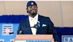 Seahawks players react to Seattle Mariners centerfielder Ken Griffey Jr.'s induction to the National Baseball Hall of Fame. Mariners Baseball, Seattle Mariners, Nationals Baseball, Baseball Mom, Seahawks Players, Mike Piazza, Seattle Fashion, Class Of 2016, Odd Couples
