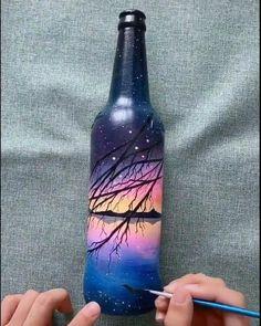 Glass Bottle Crafts, Wine Bottle Art, Painted Wine Bottles, Diy Bottle, Diy Arts And Crafts, Jar Crafts, Bottle Painting, Paintings, Drawing