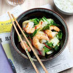 Lekker pittig oosters eten! Heerlijk gerecht met paksoi, gamba's en noodles! Yummie!  Check: http://eetjeslank.blogspot.nl/ voor meer gerechten!