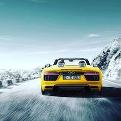 Freiheit intensiviert: der neue Audi R8 Spyder.  Audi R8 Spyder V10: Kraftstoffverbrauch kombiniert: 117 l/100 km / CO2-Emission kombiniert: 277 g/km // http://ift.tt/1Pi1RsR #audi #r8 #r8spyder #vorsprungdurchtechnik #audideutschland #vegasgelb #quattro by audi_de