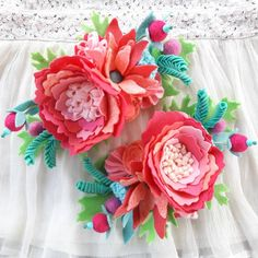 Wish you all a happy Tuesday!! These gorgeous Flamingo Lagoon headbands are going to their new homes