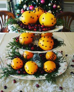 Christmas centerpiece with oranges and cloves.