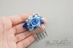 Comb hair with flowers
