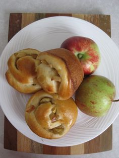 Challah Apple Rolls for Rosh Hashanah | Snacking in the Kitchen