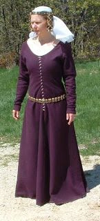 14th Century Gothic Fitted Gown