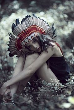 """""""i want a head dress :)"""" You cannot have one. They are for Plains Natives not for white chicks who are clueless and offensive."""