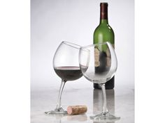 Нетрезвые винные бокалы