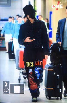 i BREATHE BIG BANG — fckyeahgdragon: 170527 G-Dragon - Incheon...