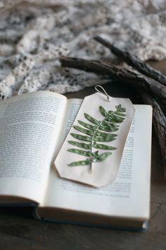 DIY Simple Unique Bookmarks /;)