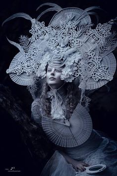 breathtaking headdress http://www.pinterest.com/felixdeon/burning-man-clothes-to-make/