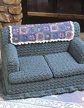 KITTY Couches.  Size: 11 tall x 14 deep x 21 wide. Crocheted using worsted yarn. Skill Level: Intermediate