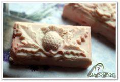 Mydło oliwkowe - homemade DIY olive soap - www.gaj-oliwny.pl - kompozycja zapachowa: olejek lawendowy i olejek bergamotowy