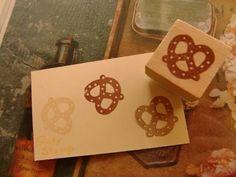 Яaty ハンドメイド消しゴムはんこプレッツェルスタンプ Handmade stamp ¥150円 〆03月21日
