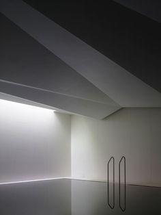 n-architektur: Underground Spa Carmody Groarke Spa Design, Indoor Swimming Pools, Swimming Pool Designs, Spa Interior, Interior And Exterior, Space Architecture, Contemporary Architecture, Spas, Underground Pool