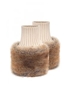 Dubarry Carton Women's Fur Cuffs adds flaire to your beautiful Dubarry boots but also added warmth!!!