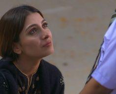 Beauty P, Ayeza Khan, Sweatpants Outfit, Pakistani Actress, Pakistani Dresses, Photoshoot, Free Match, Designer Sarees, Birthday Quotes