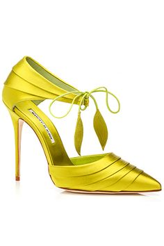 Manolo Blahnik Yellow Sandal Spring Summer 2014 #Manolos #Shoes #Heels                                                                                                                                                      Más
