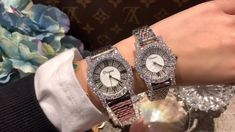Cool Watches For Women, Make Time, How To Make, Watch Video, Bracelet Watch, Diamond, Stuff To Buy, Accessories, Style