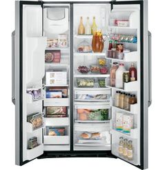 The adjustable, slide-out shelves in our GE Cafe Series refrigerator make cleaning up spills easy.