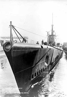 Boat- USS Gato (SS-212), December 1941, diesel-electric submarine