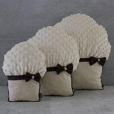 Poduszki Muffinki (sprzedawca: Elkido Handmade), do kupienia w DecoBazaar.com
