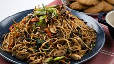 With cremini mushrooms, carrots, red pepper and spinach, this vegetable lo mein is a nutrient-packed healthy dinner.
